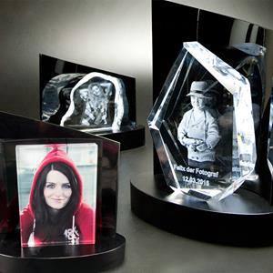 3D-Glasfoto mit Beleuchtung
