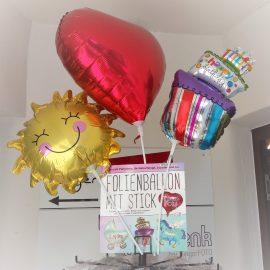 Neu im Sortiment: Folienballons mit Stick für nur €3,99